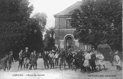 cartes-postales-photos-L-Ecole-des-Garcons-LI.jpg