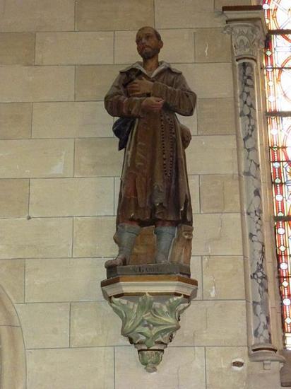 erny-saint-julien-pas-de-calais-fr-eglise-saint-julien-statue-st-benoit-labre.jpg